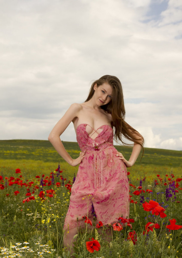 499Emily bloom порно с мужчиной